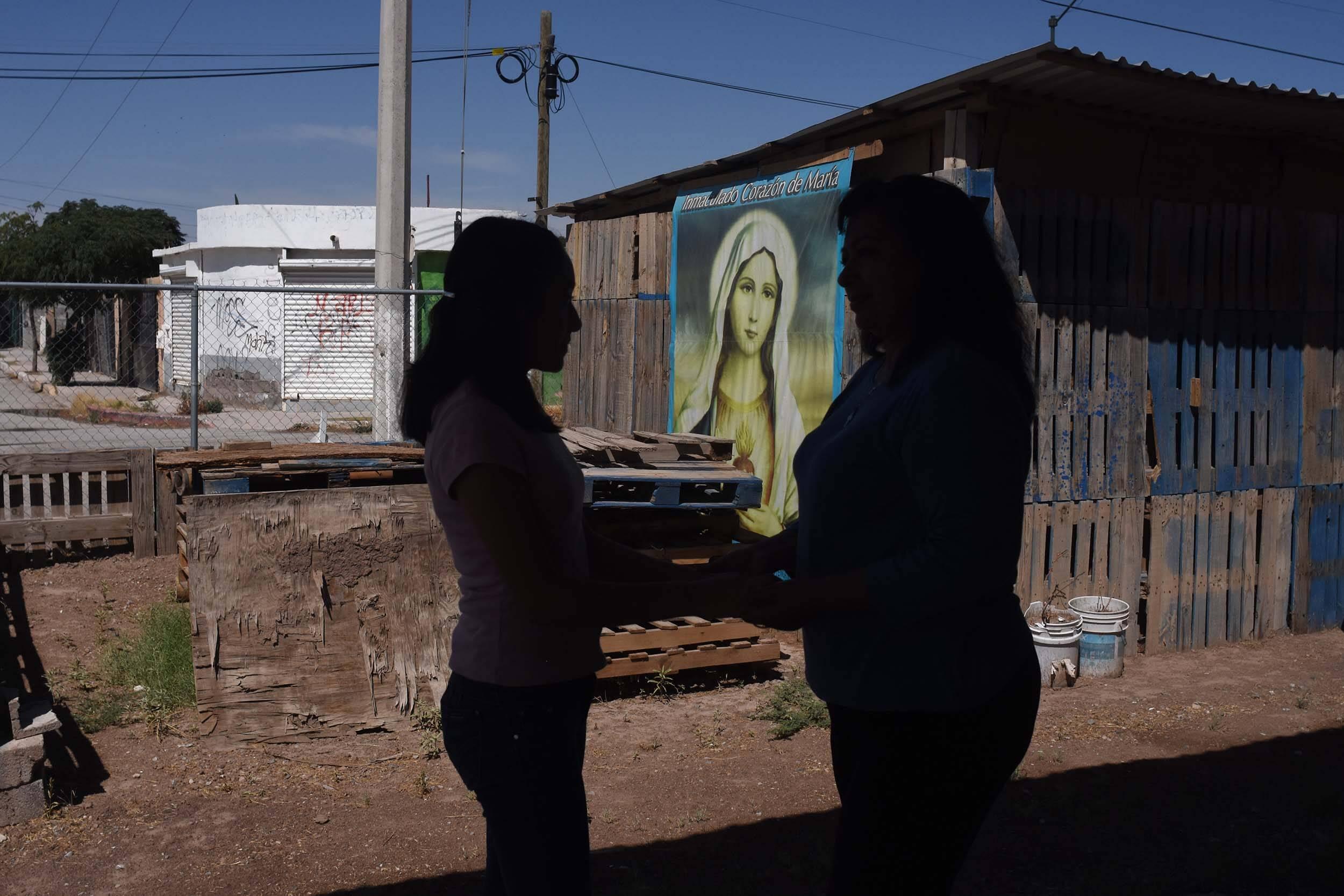 Son mujeres en red. La más joven articulada en el programa tiene doce años, la mayor, 78. Foto: Rey R. Jáuregui